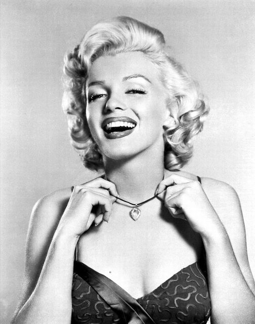 Marilyn Monroe photographed by Frank Powolny.... 1