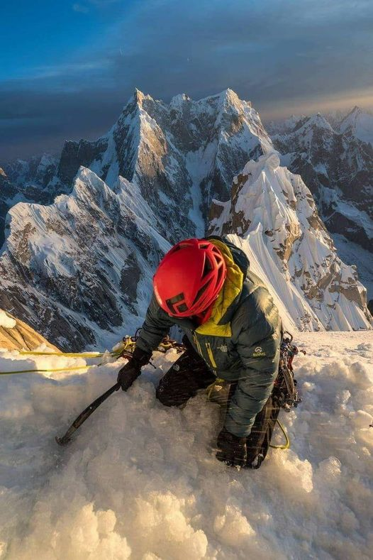 Mount Everest expedition... 1