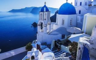The beauty of Santorini  !!...