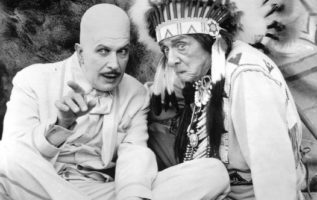 Vincent Price as Egghead and Edward Everett Horton as Chief Screaming Chicken on...